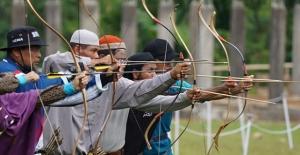 Endonezya'da geleneksel Türk okçuluğuna yoğun ilgi var