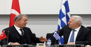 Hulusi Akar Yunanistan Savunma Bakanı İle Bir Araya Geldi