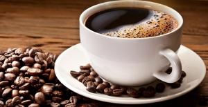Kafeinsiz Güne Başlayamayanlara: Kafein, Vücudumuzdaki Su Moleküllerini Yavaşlatıyor