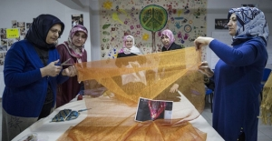 """Kültürel Renkler """"Komşu Kadın Bohçasına İşlendi"""