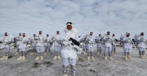 Türk Askeri Kış Şartlarında Eğitime Devam Ediyor