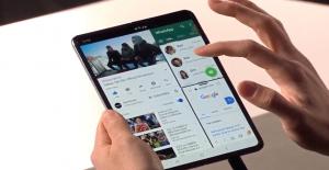 Ünlü Analist: Apple, Samsung'un Katlanabilir Telefonuna Yaklaşamaz Bile
