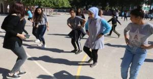 40 Dakika Teneffüs, 40 Dakika Ders Projesi Antalya'da Başladı