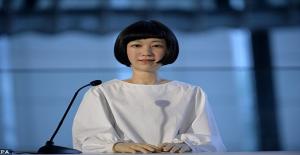 Dünyanın İlk Robot Kadın Haber Sunucusu