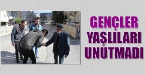 KYK'da Yaşlılar Haftası Ziyareti
