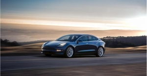 Tesla Model 3, Avrupa'da En Çok Satılan Elektrikli Otomobil Oldu