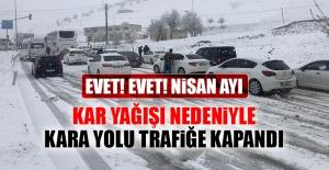 Elazığ'da Kar Yağışı Nedeniyle Kara Yolu Trafiğe Kapandı