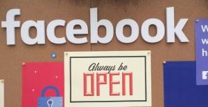 Facebook, Hesabınızı Silseniz Bile Peşinizi Bırakmıyor