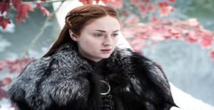 Game Of Thrones'un Sansa'sı Paylaşımıyla Sosyal Medyayı Karıştırdı