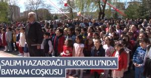 Salim Hazardağlı İlkokulu'nda Bayram Coşkusu