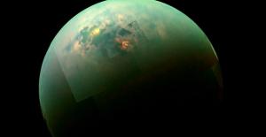 Satürn'ün Uydusu Titan'da Şaşırtıcı Derecede Derin Göller Keşfedildi