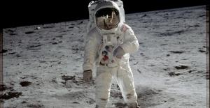 2024 Yılında Ay'a İlk Kez Bir Kadın Astronot Ayak Basacak: Görevin Adı Artemis