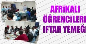 Afrikalı Öğrencilere İftar Yemeği