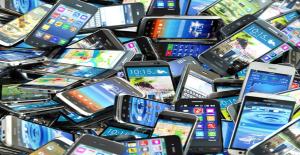 Cep Telefonlarından Alınan ÖTV, Yüzde 50'ye Kadar Artırıldı