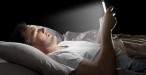 Geceleri Ekranlardan Uzak Durmak, Uykuya Dalma Süresini Kısaltıyor