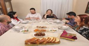 Yemekteyiz Yarışmacısı Aybike Alev Yanar, Cezaevine Girip Çıktığını Duyurdu