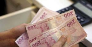 Emirates Havayolları, 15 bin 500 lira maaşla kabin görevlisi almak için Türkiye'ye geliyor