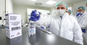 Yerli firmalar piyasaya girdi, yabancı firmalar ilaçta fiyatı 3'te 1'e indirdi