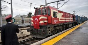 Türkiye ile Gürcistan arasındaki ilk ihracat treni hareket ediyor
