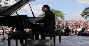 Fazıl Say, Kaz Dağları için konser verdi! Binlerce insan bölgeye akın etti