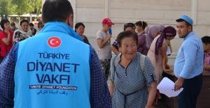 Türkiye Diyanet Vakfı bayram sevincini 149 ülkede yaşatıyor