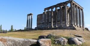 Aizanoi Antik Kenti'nde Romalılara ait şiirlere rastlandı