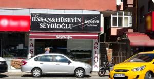 Hamile kadına dehşeti yaşatan baklavacı iki kardeşin dükkanlarının tabelaları değişti