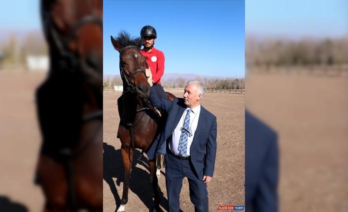 Atatürk Üniversitesi at yarışlarına ev sahipliği yapmak istiyor