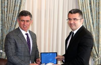 Metin Feyzioğlu: