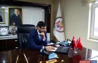 Bitlis Belediye Başkanı Tanğlay, AA'nın 'Yılın Fotoğrafları' oylamasına katıldı