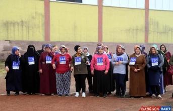 Bitlis'te kilolarından kurtulan kadınlar yarıştı