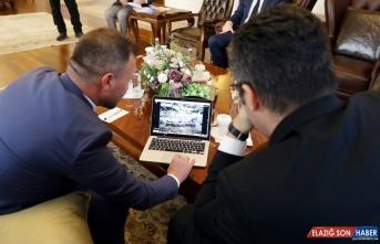 Erzurum Valisi Okay Memiş, AA'nın