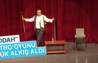 """""""Meddah"""" Tiyatro Oyunu Büyük Alkış Aldı"""