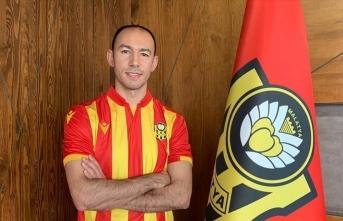 Umut Bulut, Yeni Malatyaspor ile 1,5 yıllık sözleşme imzaladı