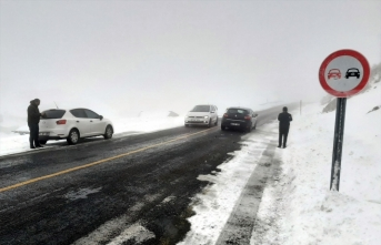 Ardahan'da kar ve sis etkili ulaşımı aksattı