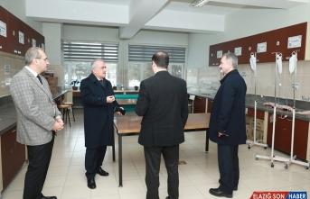 Atatürk Üniversitesi, 13 il ve 6 ülkeye sağlık hizmeti sunuyor