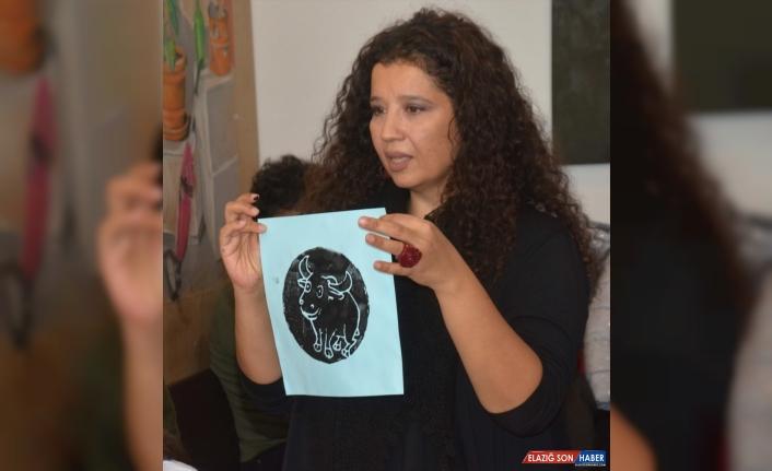 Erzurum'da anaokulu öğrencileri, ilkel baskı resim tekniğini üniversitede öğrendi