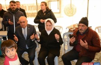 İYİ Parti Genel Başkanı Meral Akşener, depremzedeleri ziyaret etti: