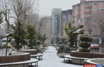 Malatya'da kar yağışı etkili oldu