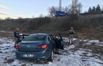Malatya'da otomobil şarampole devrildi: 5 yaralı