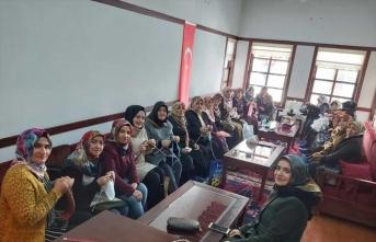 Malatyalı öğrenciler ve kadınlar İdliblilere battaniye ve kışlık giysi örecek