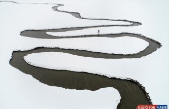 Van ve Bitlis'te 9 yerleşim birimine kar nedeniyle ulaşım sağlanamıyor
