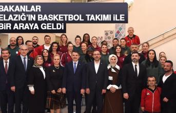 Bakanlar, Elazığ'ın Basketbol Takımı İle Bir Araya Geldi