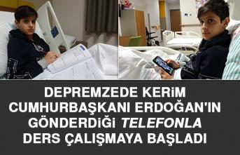 Cumhurbaşkanı Erdoğan'ın Gönderdiği Telefonla Ders Çalışmaya Başladı