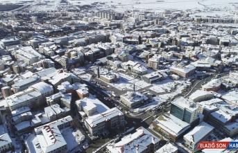 Erzurum'da kar yağışı güzel görüntüler oluşturdu