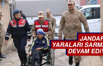 Jandarma Depremin Yaralarını Sarmaya Devam Ediyor
