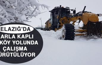 Karla Kaplı 22 Köy Yolunda Çalışma Yürütülüyor