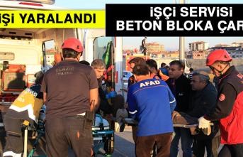 İşçi Servisi Beton Bloka Çarptı, 9 Kişi Yaralandı