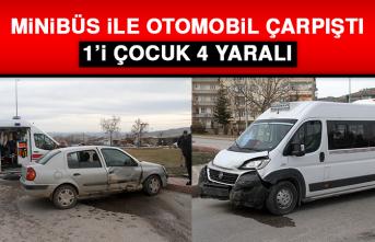 Minibüs İle Otomobil Çarpıştı