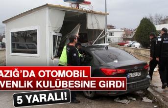 Otomobil Güvenlik Kulübesine Girdi: 5 Yaralı